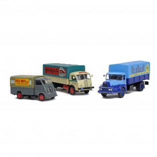 3 Camions bâchés de livraison : Unic ZU, Peugeot DMA et Panhard Movic
