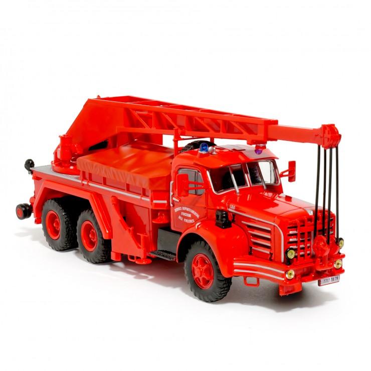 Camion grue d'intervention de 15 tonnes Magirus-Berliet sur TBO 15
